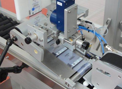 dispositivo-anti-spellicolamento-etichettatura-farmaceutica-scarto-etichetta--etipack