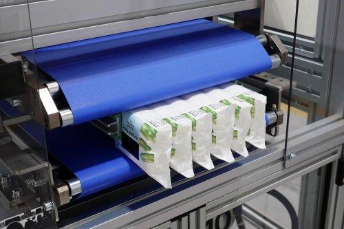 Etichettatura orizzontale di wet wipes multipacco per CB Packaging